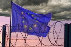 23-26 maggio 2019: ci sarà ancora la UE? bandiera UE e filo spinato