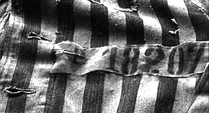 Una bruttissima vecchia storia: casacca di deportato