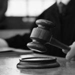 Polonia bocciata: martello di giudice